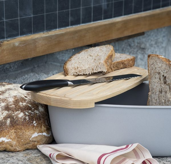 bread box with wooden cutting board Legnoart