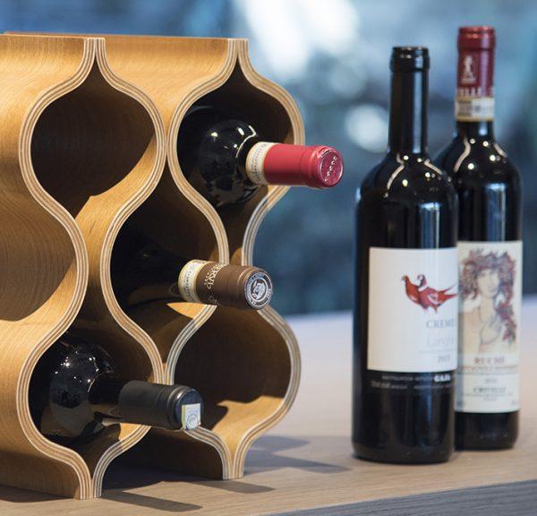 """Portabottiglie di vino """"Marea"""" in legno di rovere curvato"""